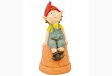 Gartenfigur Kind auf Topf